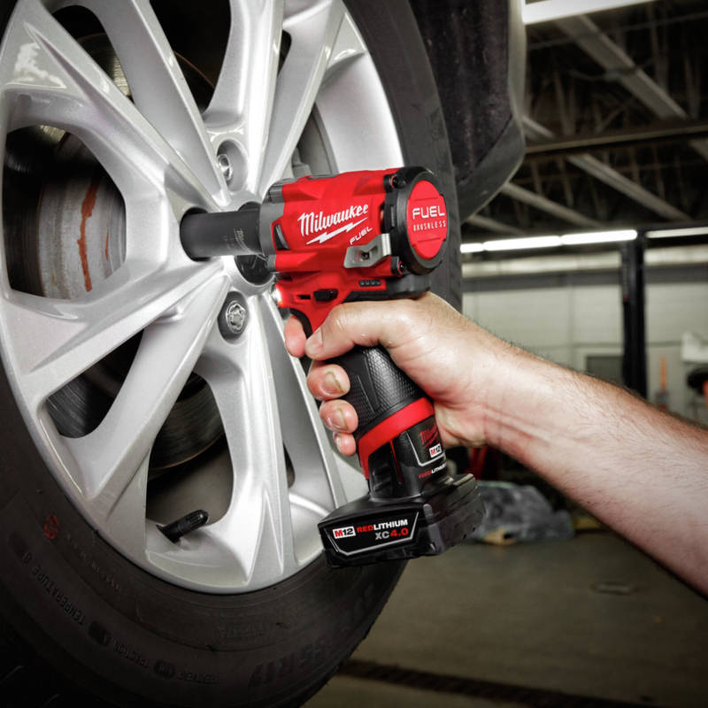 M18 FUEL Stubby Impact Wrench delivers up to 250 ft-lbs nut-busting torque