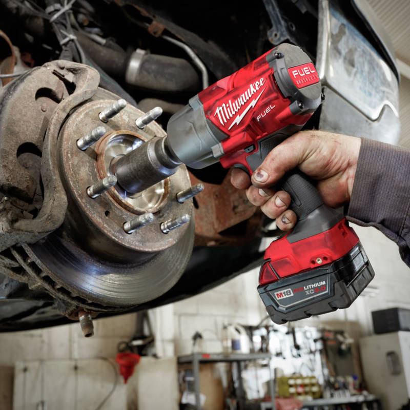 M18 FUEL 1/2 in. High Torque Impact Wrench delivers up to 1,000 ft-lbs of fastening torque