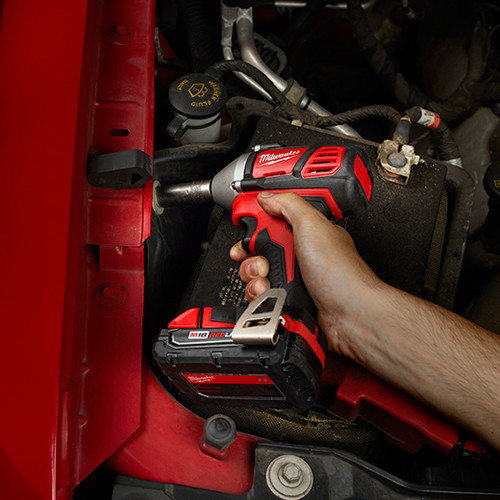 Milwaukee 2658-22CT M18 Lithium-Ion 3/8 in. Impact Wrench Kit with Friction Ring image number 3