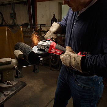 Milwaukee 2780-20 M18 FUEL Lithium-Ion 4-1/2 in./5 in. Paddle Switch Grinder (Tool Only) image number 2