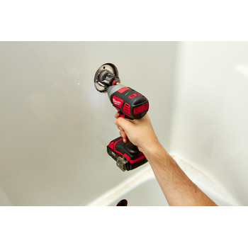 Milwaukee 2656-22CT M18 Lithium-Ion 1/4 in. Hex Compact Impact Driver Kit (1.5 Ah) image number 5