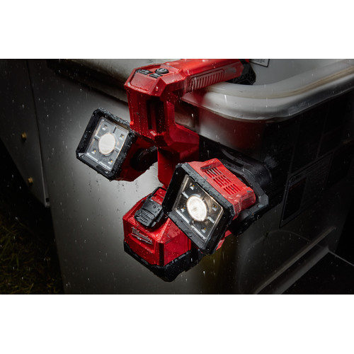 Milwaukee 2122-20 M18 18V Cordless Lithium-Ion Utility Bucket Light (Tool Only) image number 4