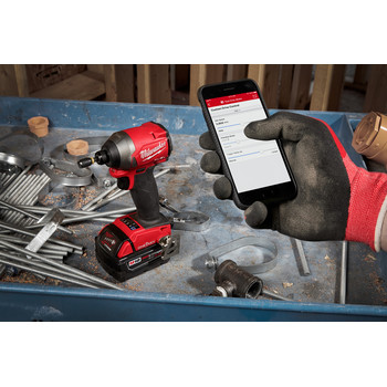 Milwaukee 2857-22 M18 FUEL 1/4 in. Hex Impact Driver with ONE-KEY XC Kit image number 4