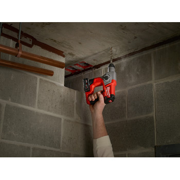 Milwaukee 2416-21XC M12 FUEL 4.0 Ah Cordless Lithium-Ion 5/8 in. SDS Plus Rotary Hammer Kit image number 8