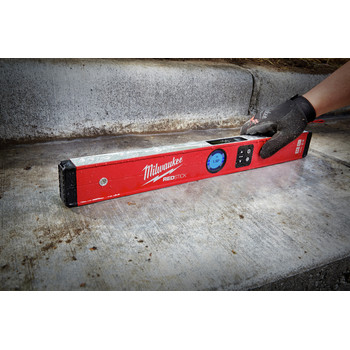 Milwaukee MLDIG24 24 in. REDSTICK Digital Level with PINPOINT Measurement Technology image number 5