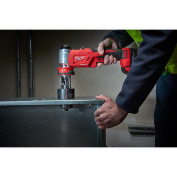 Milwaukee 2677-21 M18 Force Logic Cordless Lithium-Ion 6T 1/2 in. - 2 in. Knockout Tool Kit image number 6