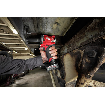 Milwaukee 2555-22 M12 FUEL Stubby 1/2 in. Impact Wrench with Friction Ring Kit image number 11
