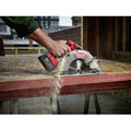 Factory Reconditioned Milwaukee 2731-82 M18 FUEL Cordless Lithium-Ion 7-1/4 in. Circular Saw Kit with 2 Batteries image number 5