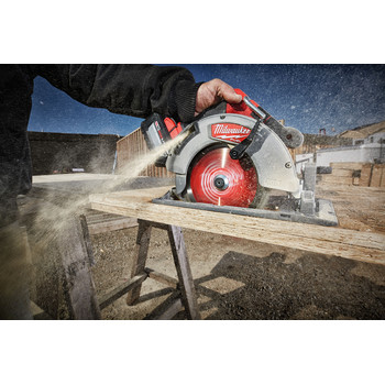 Milwaukee 2732-21HD M18 FUEL 7-1/4 in. Circular Saw Kit image number 5