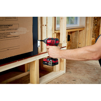 Milwaukee 2656-22CT M18 Lithium-Ion 1/4 in. Hex Compact Impact Driver Kit (1.5 Ah) image number 3
