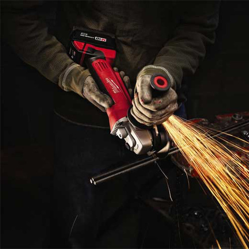 Factory Reconditioned Milwaukee 2680-82 M18 18V Cordless Lithium-Ion 4-1/2 in. Cut-Off/Grinder image number 4