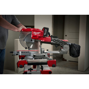 Factory Reconditioned Milwaukee 2734-81HD M18 FUEL 9.0 Ah Cordless Lithium-Ion 10 in. Dual Bevel Sliding Compound Miter Saw image number 4
