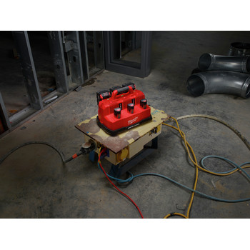 Milwaukee 48-59-1807 M18 and M12 Rapid Charge Station image number 5