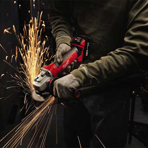 Factory Reconditioned Milwaukee 2680-82 M18 18V Cordless Lithium-Ion 4-1/2 in. Cut-Off/Grinder image number 3