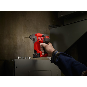 Milwaukee 2416-21XC M12 FUEL 4.0 Ah Cordless Lithium-Ion 5/8 in. SDS Plus Rotary Hammer Kit image number 9