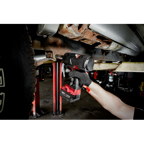 Milwaukee 2767-22 M18 FUEL High Torque 1/2 in. Impact Wrench with Friction Ring (Kit) image number 5