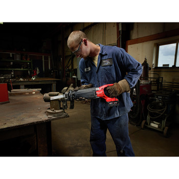 Milwaukee 2720-21 M18 FUEL Cordless Sawzall Reciprocating Saw with REDLITHIUM Battery image number 2