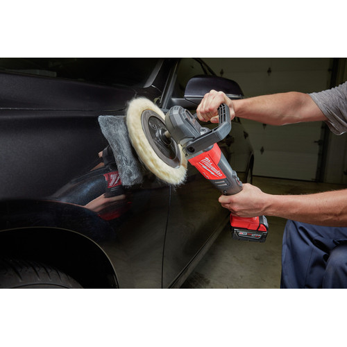 Milwaukee 2738-22 M18 FUEL Lithium-Ion 7 in. Variable Speed Polisher Kit image number 7