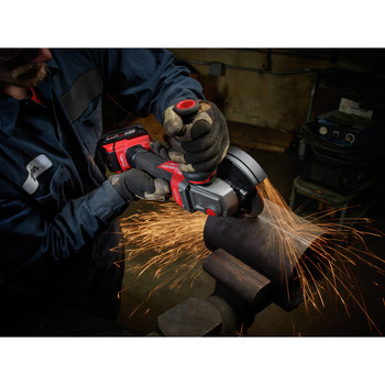 Milwaukee 2783-22 M18 FUEL Cordless 4-1/2 in. - 5 in. Braking Angle Grinder Kit image number 5