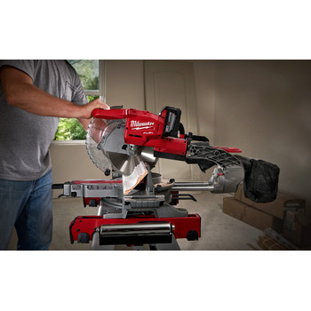 Factory Reconditioned Milwaukee 2734-81HD M18 FUEL 9.0 Ah Cordless Lithium-Ion 10 in. Dual Bevel Sliding Compound Miter Saw image number 2