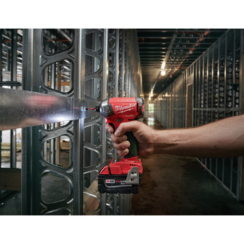 Milwaukee 2760-22 M18 FUEL SURGE 5.0 Ah 1/4 in. Hex Hydraulic Impact Driver Kit image number 6