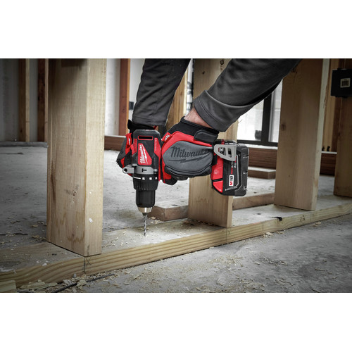 Milwaukee 2902-22 M18 Lithium-Ion Brushless 1/2 in. Cordless Hammer Drill Kit (4 Ah) image number 6