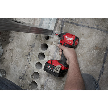 Milwaukee 2857-22CT M18 FUEL 1/4 in. Hex Impact Driver with ONE-KEY CP Kit image number 7