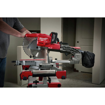 Factory Reconditioned Milwaukee 2734-81HD M18 FUEL 9.0 Ah Cordless Lithium-Ion 10 in. Dual Bevel Sliding Compound Miter Saw image number 8