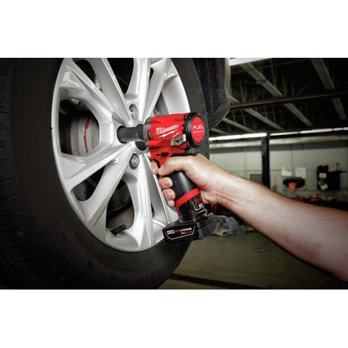 Factory Reconditioned Milwaukee 2555-80 M12 FUEL Stubby 1/2 in. Impact Wrench with Friction Ring (Tool Only) image number 2