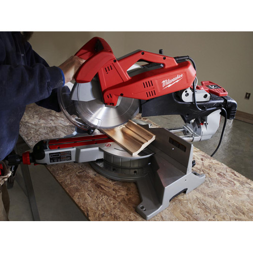 Milwaukee 6955-20 12 in. Dual-Bevel Sliding Compound Miter Saw image number 2
